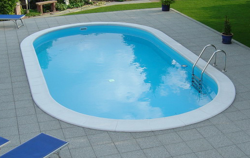 Toscana oval pool fra Solbadet findes i flere størrelser.
