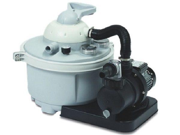 Filtersæt til 10.000 L bassin. Er du også træt af det lille patronfilter til havebassinet? Klarer nemt at rense vandet op til 10.000 L.Leveres inkl. sand.
