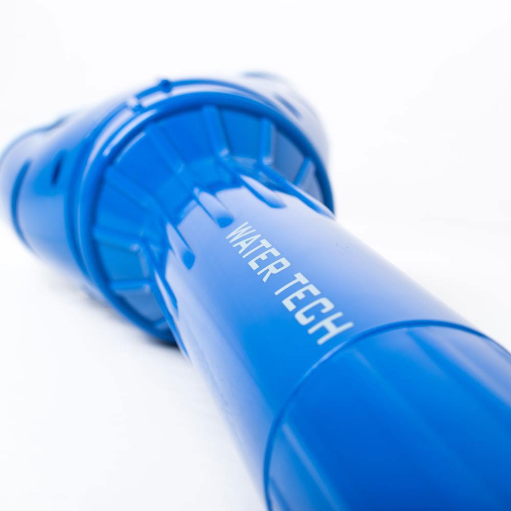 Bundsuger batteri model Pool Blaster Aqua Broom liggende close up solbadet